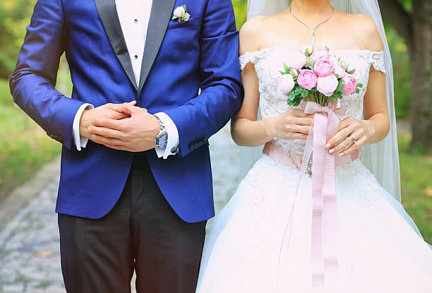 braut bräutigam & - dinge die zusammenpassen stock-fotos und bilder