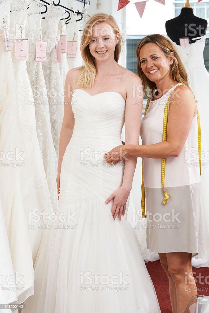 Instalado Para Que La Novia Vestido De Novia En La Tienda