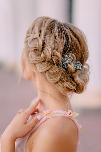 新娘髮型特寫 照片檔及更多 一個人 照片