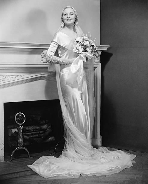 Bride posing at fireplace portrait picture id72131203?b=1&k=6&m=72131203&s=612x612&w=0&h=djdkk 1lfmfti85ogxpzdjka vdtdshrmk8xwxj6pdq=