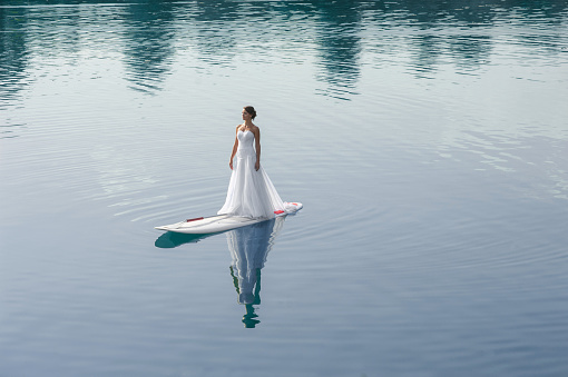 bride stand up paddleboard02