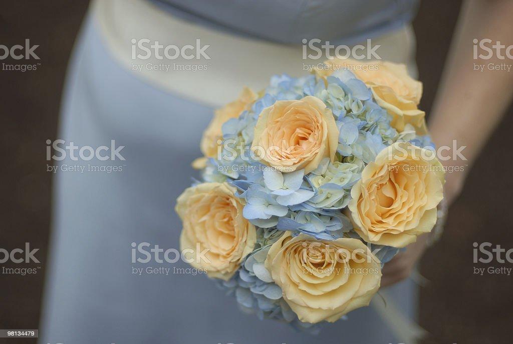 Pulizia della sposa bouquet di fiori foto stock royalty-free