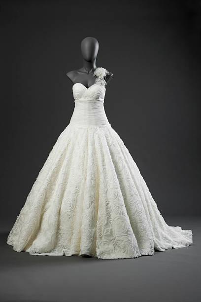 bride,wedding dress,  mannequin - hochzeitskleid in schwarz stock-fotos und bilder
