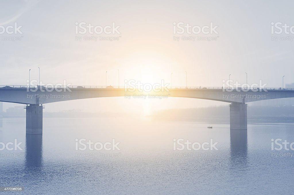 Brücke und Sonnenschein – Foto