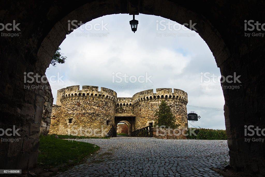 Bridge and towers of Singidunum or Kalemegdan fortress in Belgrade photo libre de droits