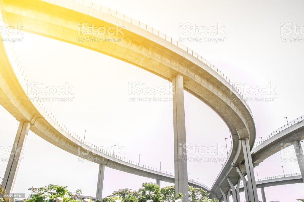 Brug. Het platform lijnen onder de brug, verhoogde expressway, bangkok, thailand royalty free stockfoto