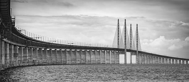 bridge between sweden and denmark - öresundsregionen bildbanksfoton och bilder