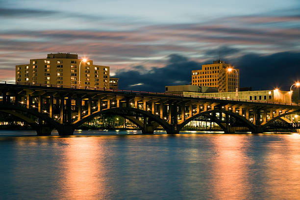 puente en rockford - illinois fotografías e imágenes de stock
