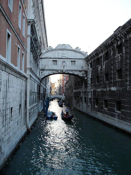 bridge of sighs, venice - fsachs78 stockfoto's en -beelden
