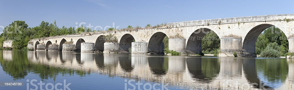 Bridge over Duero river (Toro,Spain) stock photo