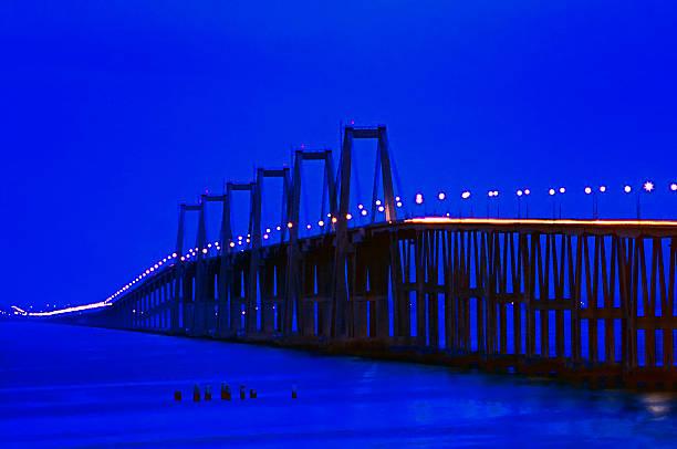 puente sobre el lago maracaibo - maracaibo fotografías e imágenes de stock