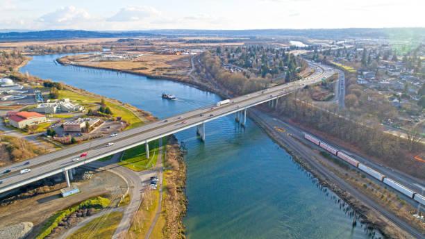 I5 Ponte sobre o rio Snohomish Everett Washington - foto de acervo
