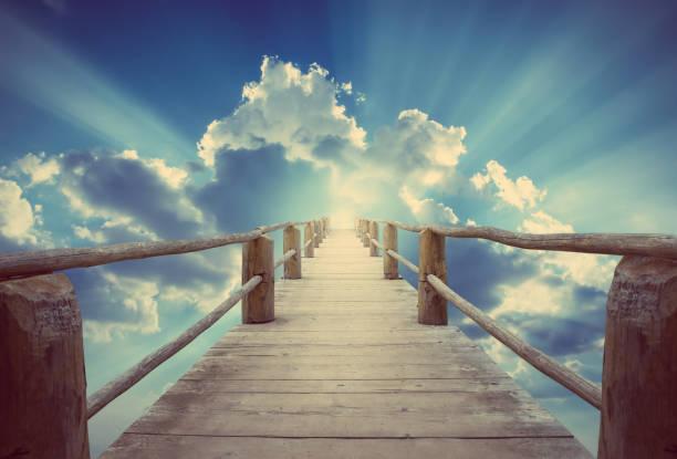 bridge to paradise. - niebo życie pozagrobowe zdjęcia i obrazy z banku zdjęć