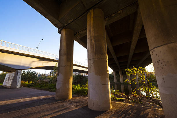 bridges in besos river in barcelona - carlosanchezpereyra fotografías e imágenes de stock
