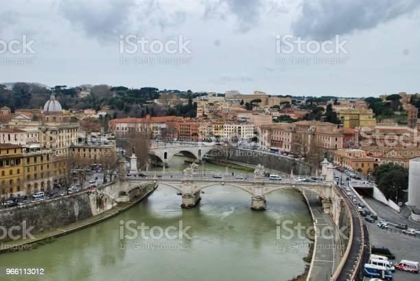Broar Av Tibre Rom Italien Sett Från Terrassen I Castel Santangelo-foton och fler bilder på Bro