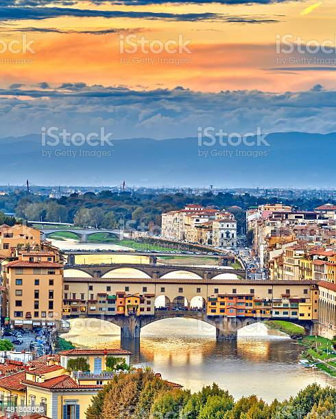 Bridges over arno river in florence picture id481303808?b=1&k=6&m=481303808&s=612x612&h=4tyhfhekn9h 3w4vzp vivmg6ttk6vhcs dmxlsla24=