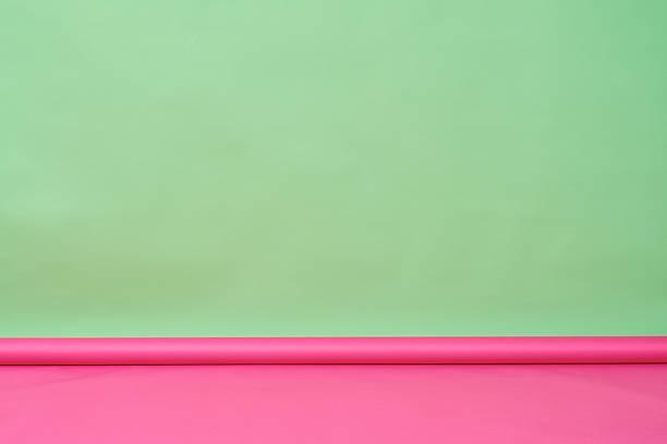 hellen farben unserer zimmer - hellrosa zimmer stock-fotos und bilder