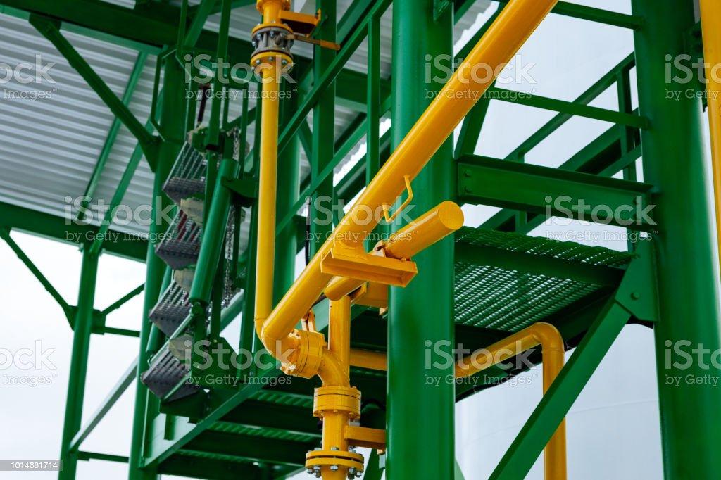 Estructura Metálica Verde Amarilla Brillante Foto De Stock Y