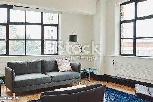 istock Bright living room 912081760