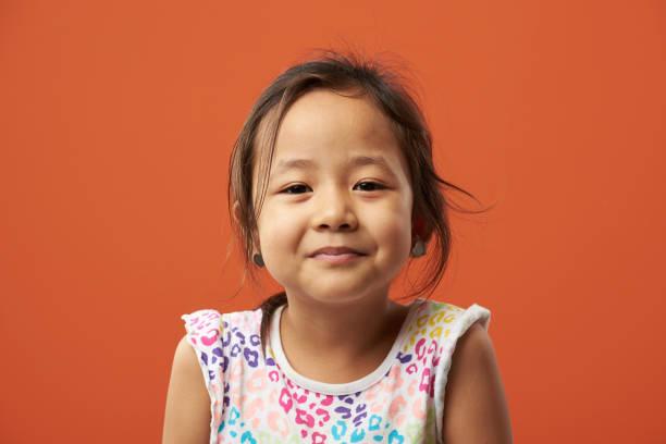 Helles Porträt asiatischer Mädchen – Foto