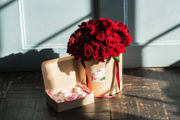 Bright roses bouquet at studio picture id882318422?b=1&k=6&m=882318422&s=612x612&w=0&h=2yft1gapumtamgvzzzq3o3ff8jk0dg2wunnf sigeiu=