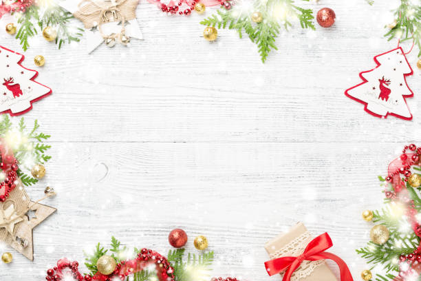 Heller, leuchtender Rahmen rot & gold Weihnachtsdekorationen auf leichte Textfreiraum. – Foto