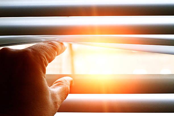 Bright sun shining through a jalousie – Foto