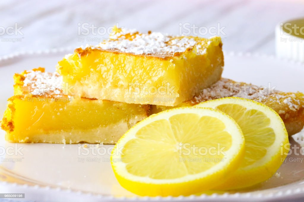 Brightly colored lemon slices zbiór zdjęć royalty-free