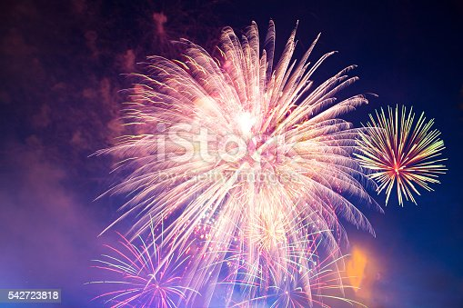 542714484 istock photo Brightly colorful fireworks 542723818