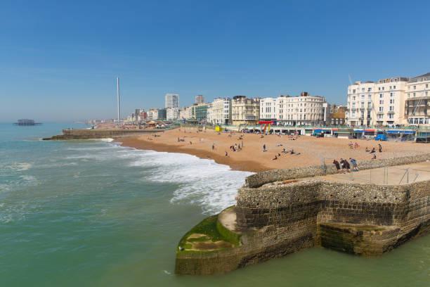 Brighton beach and seafront uk tourist town picture id1026787072?b=1&k=6&m=1026787072&s=612x612&w=0&h=zdn pxjqj u3g5dlcnwoendkdpkocsoqrkmkyhvlgeq=