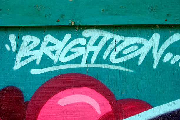 brighton graffiti - sprüche englisch stock-fotos und bilder