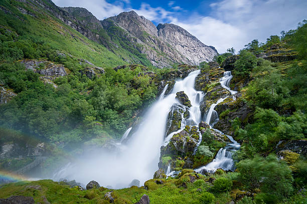 Briksdalsbreen national park waterfall long exposure – Foto