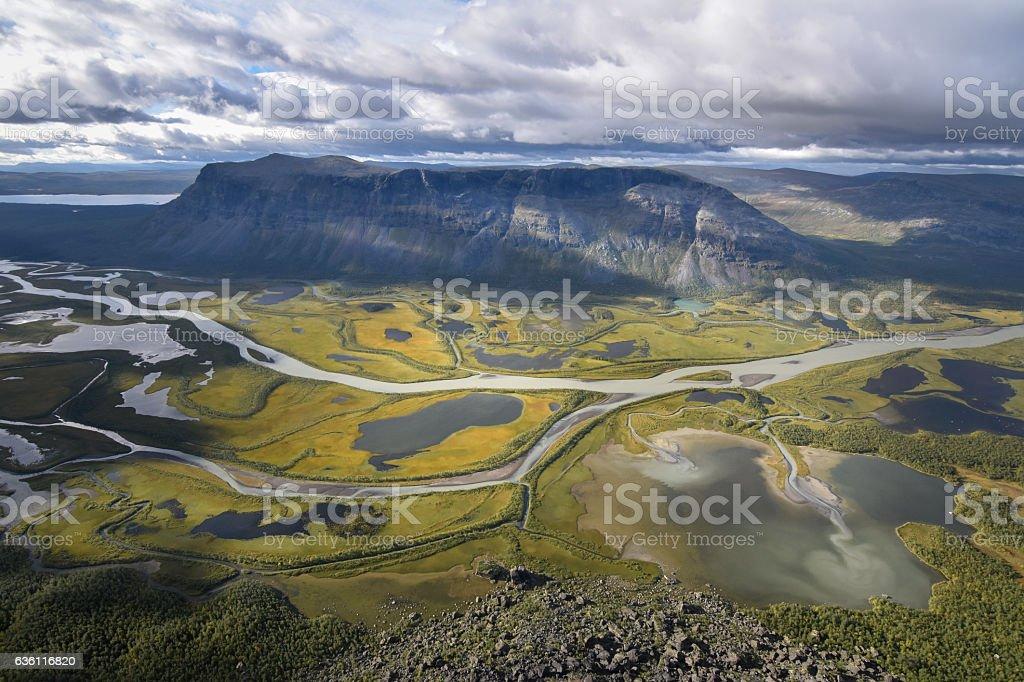 Brilliant view from Skierfe on rapadalen river valley delta landscape foto