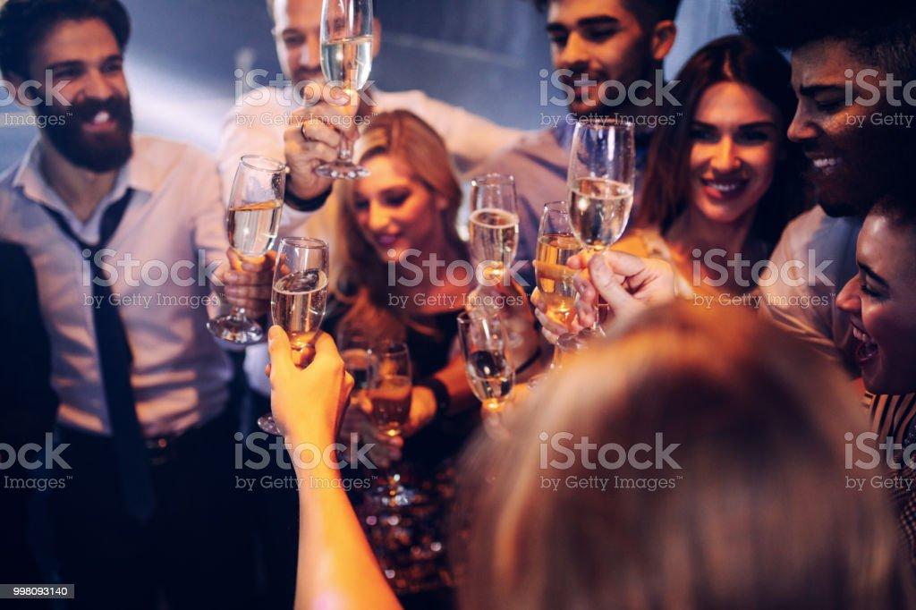 Am Wochenende mit Ihren Freunden zu bringen – Foto