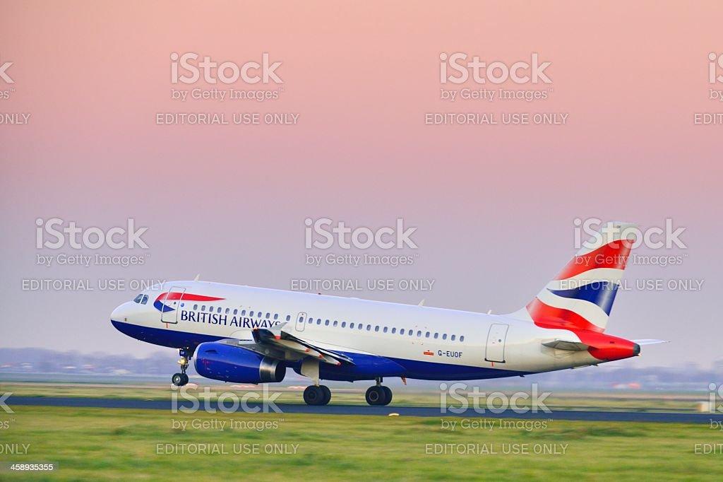 British Airways taking off foto