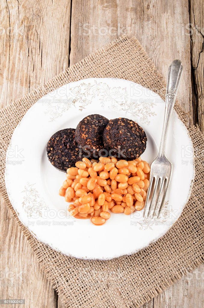 british breakfast with black pudding and baked bean photo libre de droits