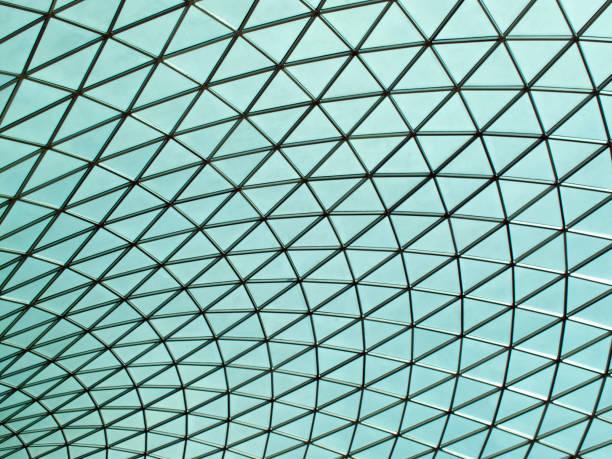 british museum futuristische decke glasdach des großen hofs - dokumentation stock-fotos und bilder