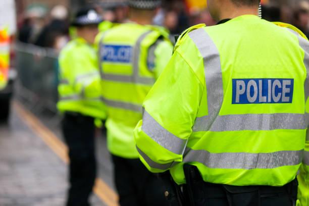 controle de multidão da polícia britânica - reino unido - fotografias e filmes do acervo