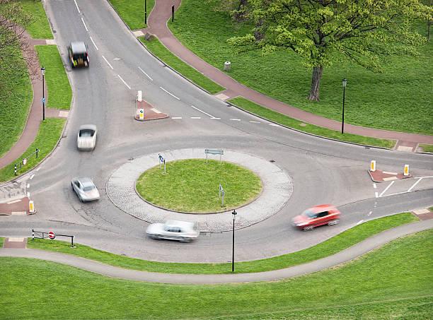 british rond-point de circulation - rond point photos et images de collection