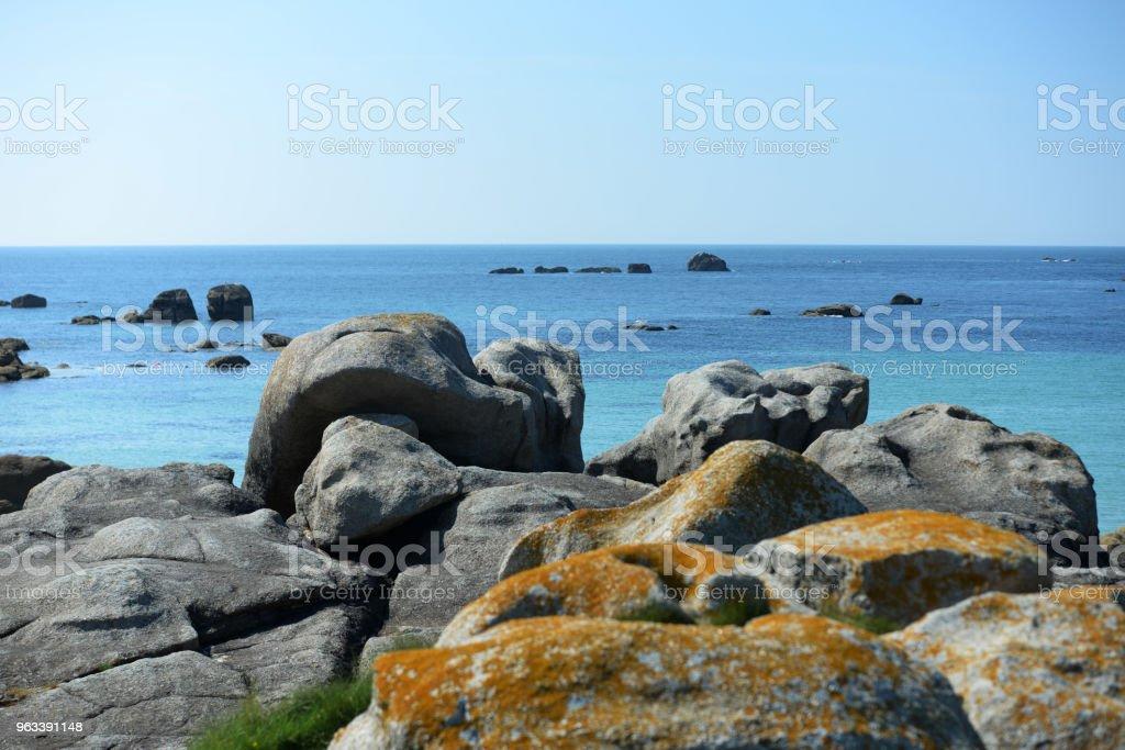 Skały plażowe Bretanii - Zbiór zdjęć royalty-free (Bez ludzi)
