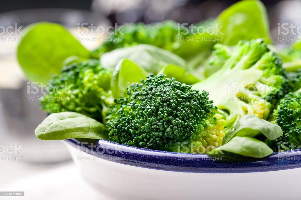 Brócolis, espinafre e salada de feijão verde - foto de acervo
