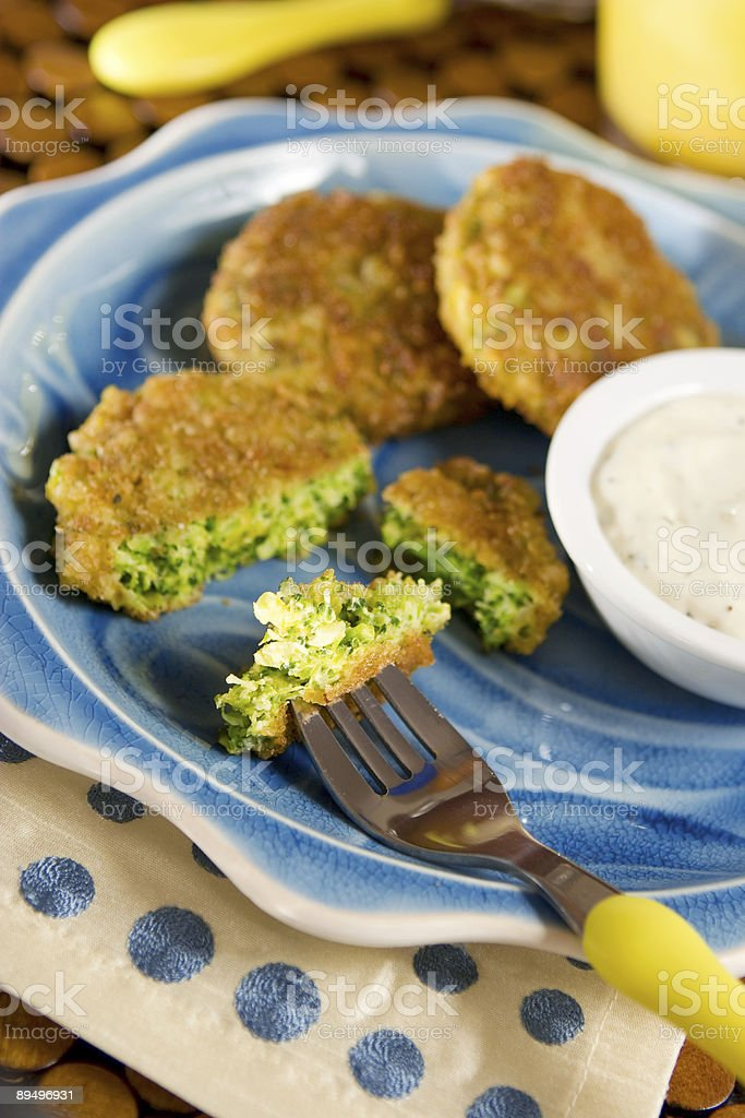 Broccoli cakes royalty free stockfoto