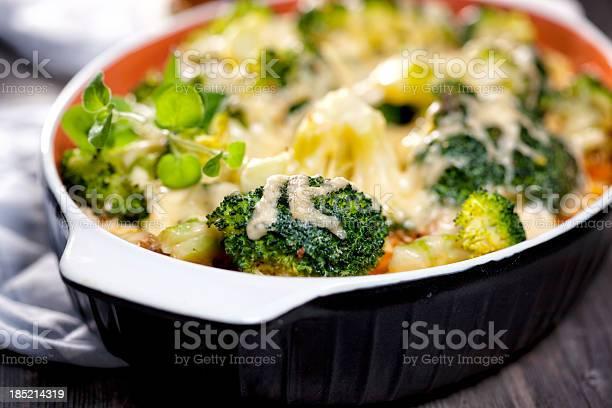 Brócolos Caçarola - Fotografias de stock e mais imagens de Assado no Forno