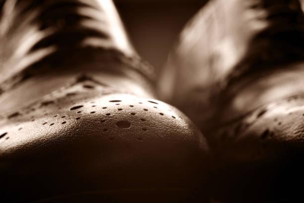 brogues boots - nähfuß stock-fotos und bilder