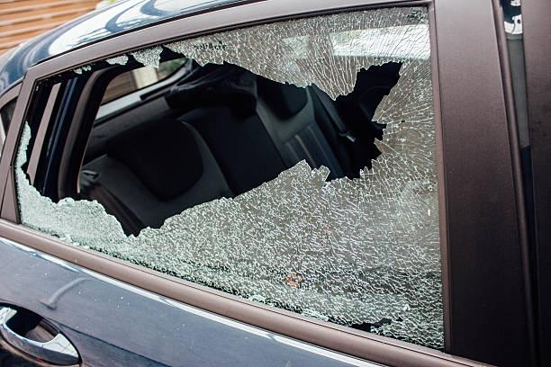 Broken car window foto