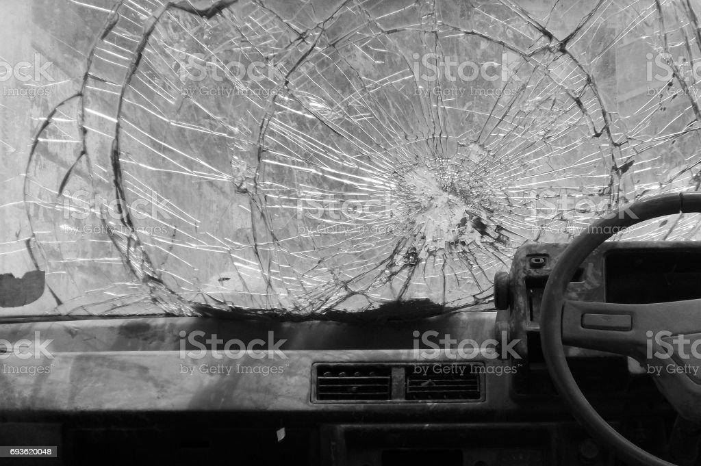 Cassé voiture de pare-brise - Photo