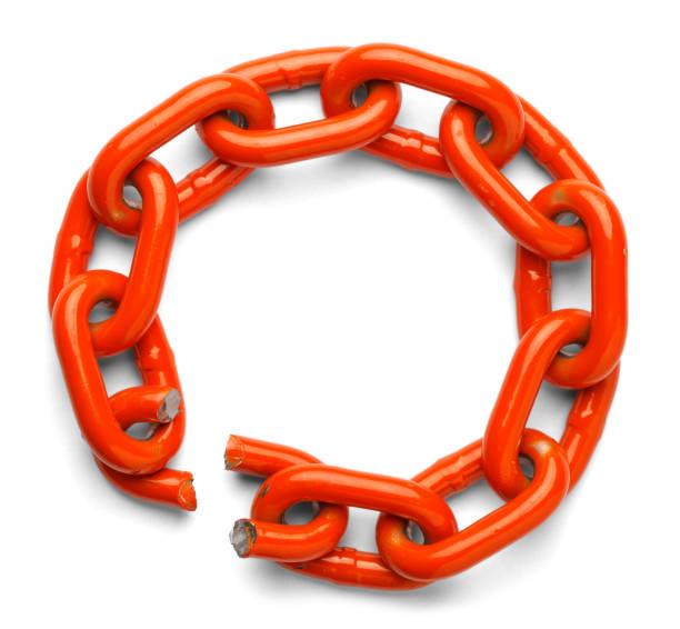 broken chain link - anello catena foto e immagini stock