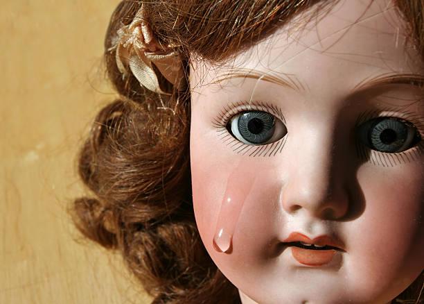 broken muñeca cara - muñeca bisque fotografías e imágenes de stock