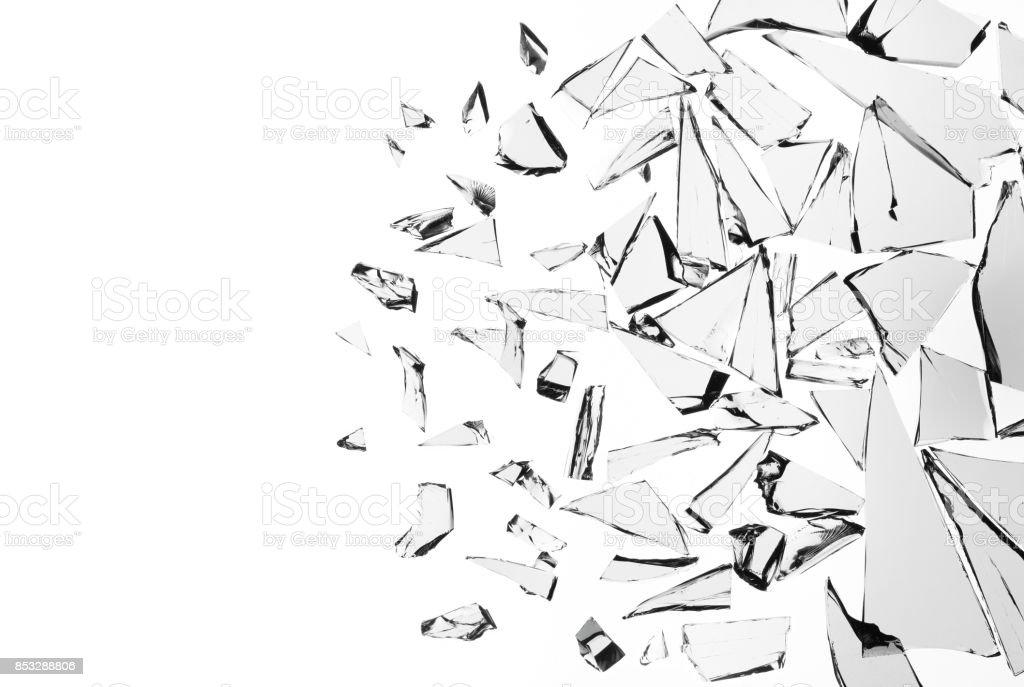 Vidrio roto sobre fondo blanco, diseño de objetos de telón de fondo de textura decoración - foto de stock