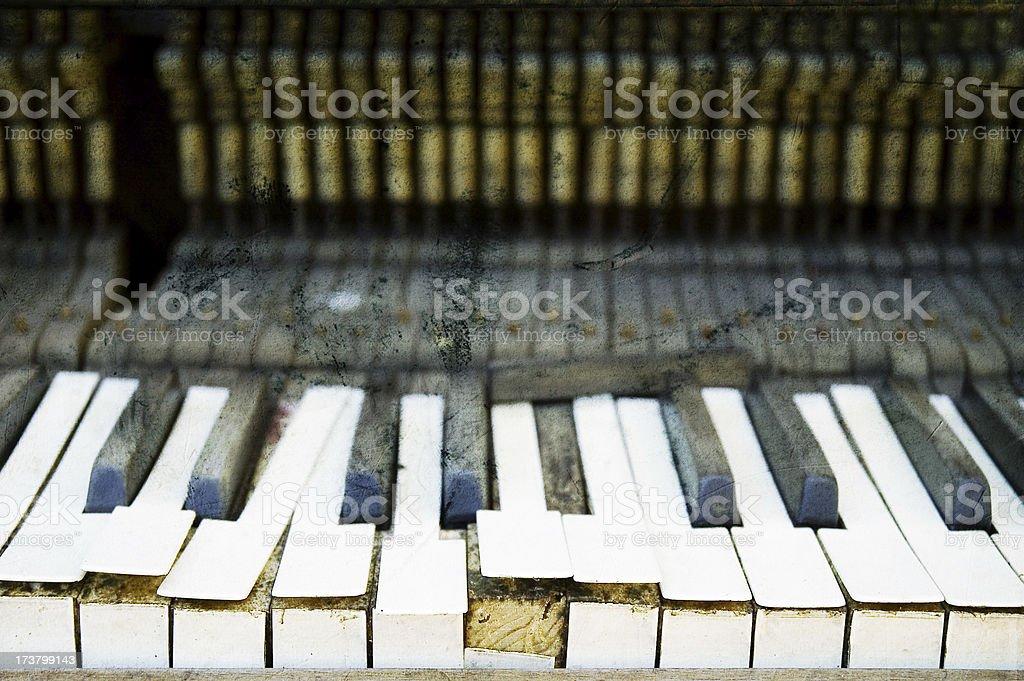 broken piano 2 - grunge royalty-free stock photo